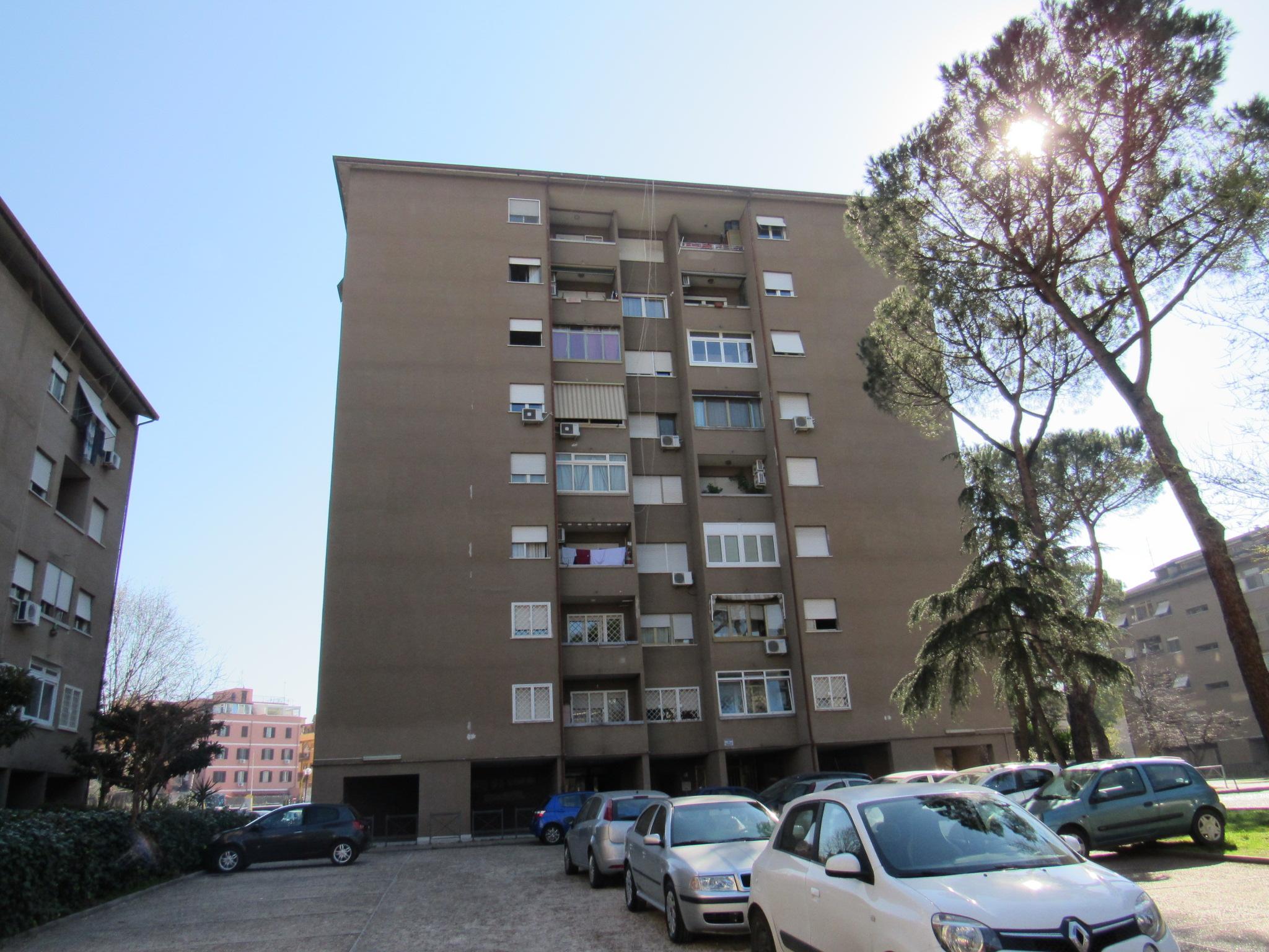 Appartamento viale di Torre Maura, Roma