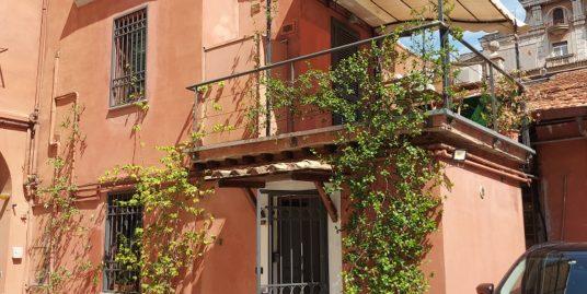 Piazza dell'Alberone semi-indipendente con terrazzo